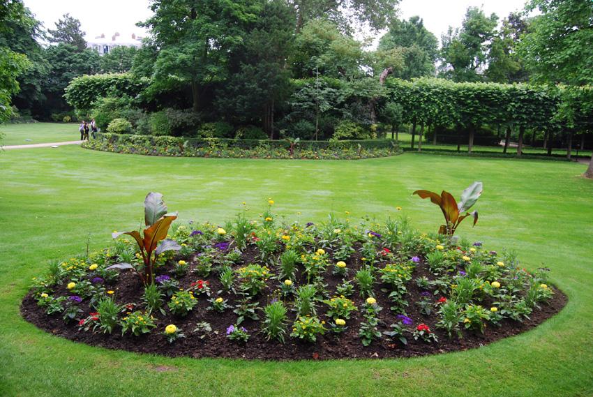 Rendez vous au jardin de l h tel matignon a l 39 encre violette for Au jardin guesthouse