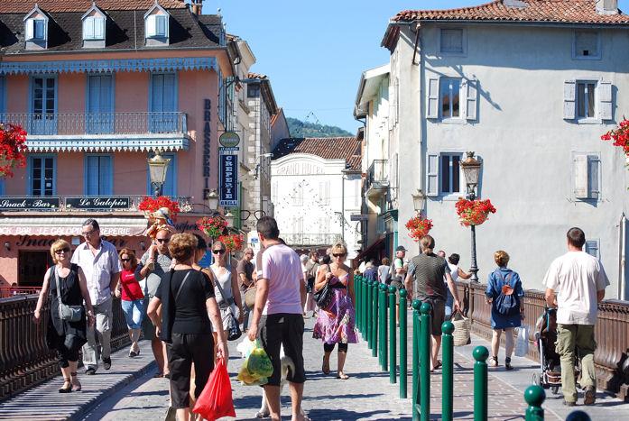 Au march de saint girons ari ge a l 39 encre violette for La rotonde saint girons
