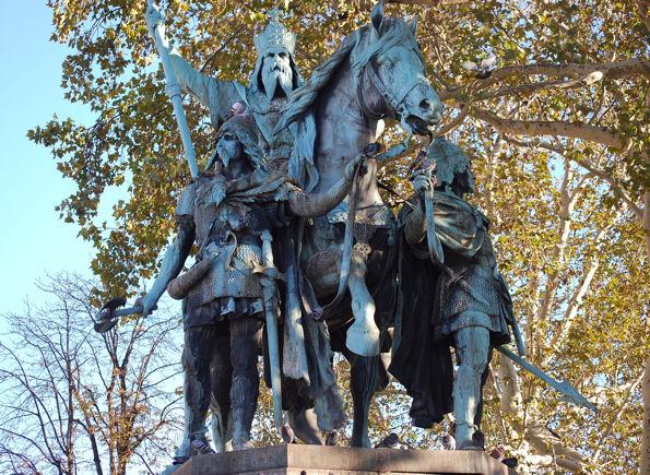 charlemagne-statueblog