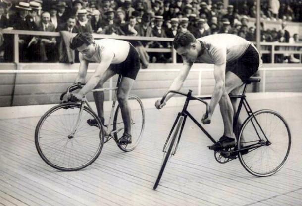 vélo blanc motif coquelicot