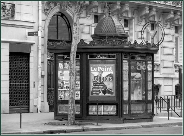 Un kiosque-a-journaux