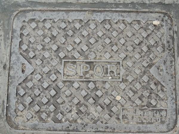 plaque d'égout Rome blog
