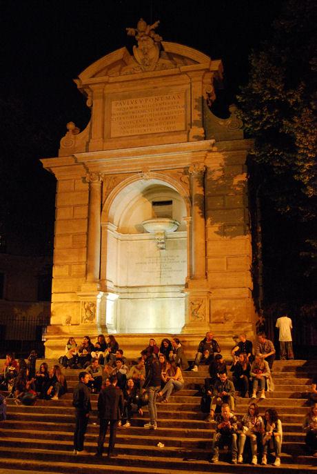 Roma piazza Trilussa blog