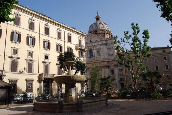 Piazza Cairoli blog1
