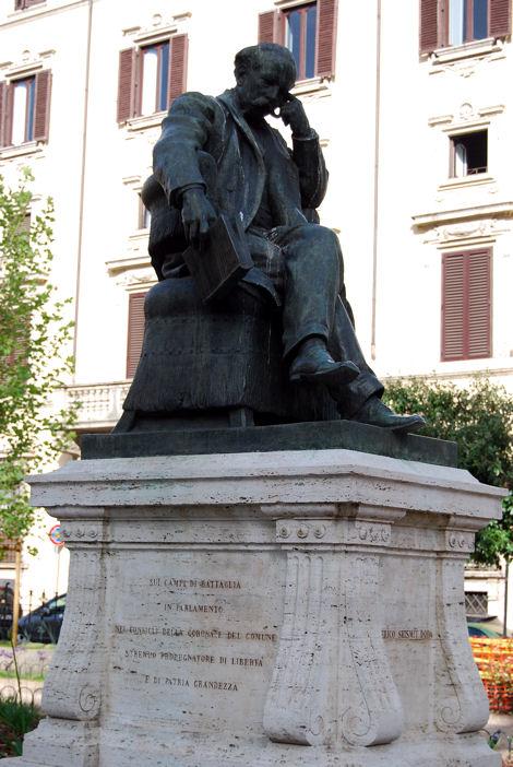 Piazza Cairoli blog2