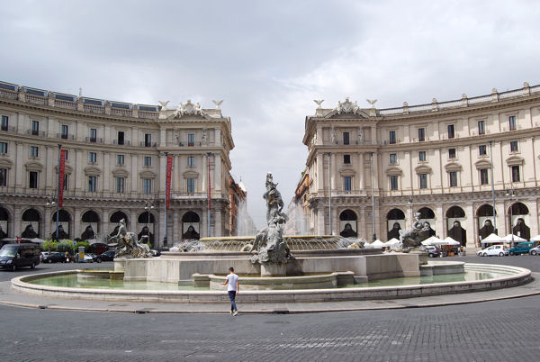 Piazza Repubblica blog5