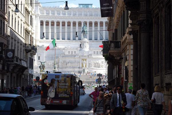 Via del Corso blog 2