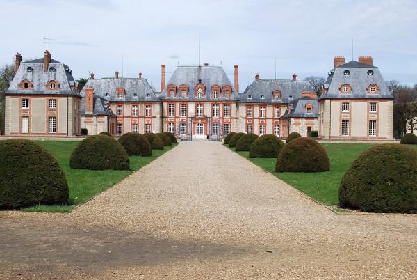 Breteuil façade  blog 1