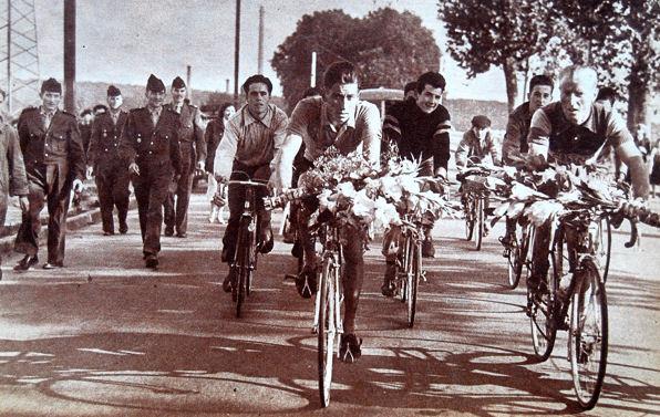 Tour 1957 après l'arrivée à Tours blog