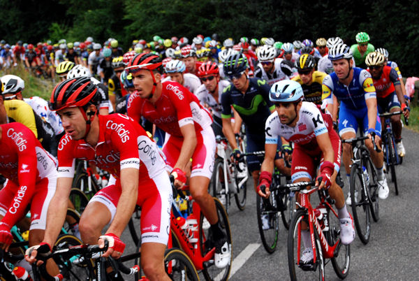 Tour 2017 Col des Ares peloton blog 3