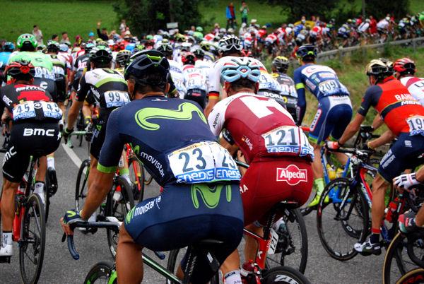 Tour 2017 Col des Ares peloton blog 6