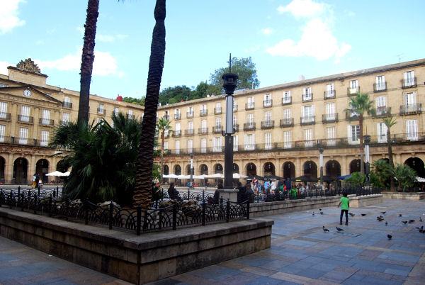 Bilbao Plaza Nueva blog 1