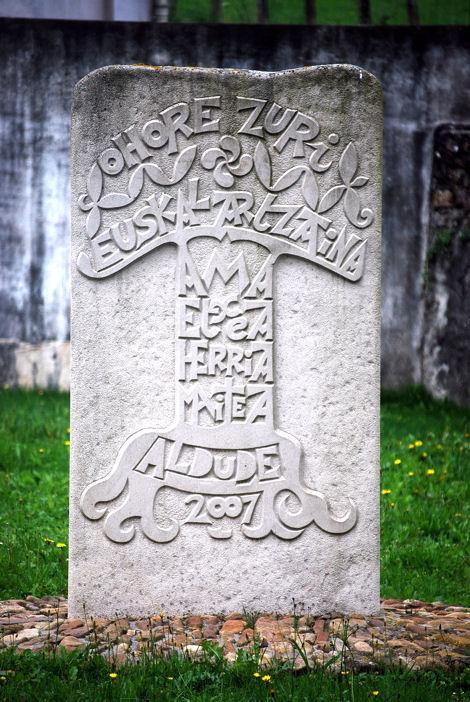 Aldudes stèle bergers basque blog