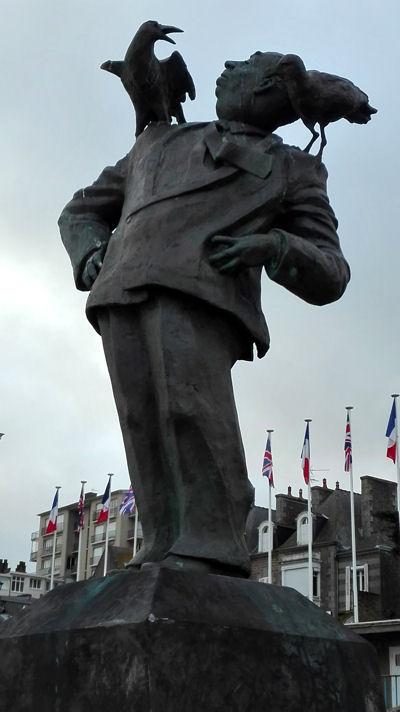 Dinard 2017 statue Hitchcock blog