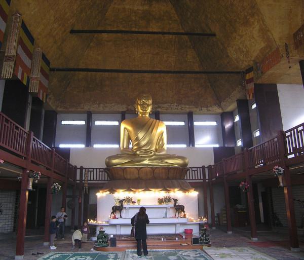 1024px-Bouddha_de_la_Pagode_de_Vincennes