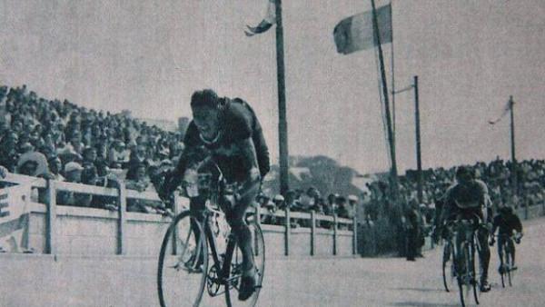 1949-Kubler satint-Malo au-velodrome