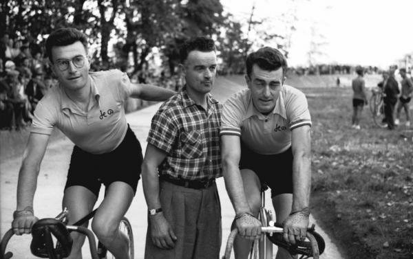 Lurcy-Levis 20 sept 1953 les frères Bobet 2018-01-17 à 14.28.40
