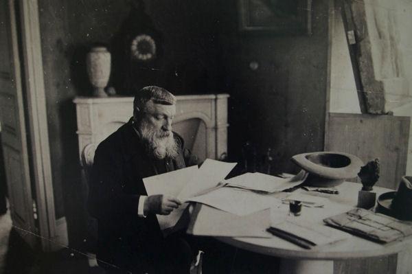 blog Rodin dans son petit salon