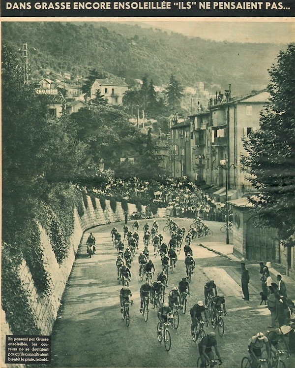 Peloton à Grasse1949-07-20+-+BUT-CLUB+192+-+36th+Tour+de+France+-+025A