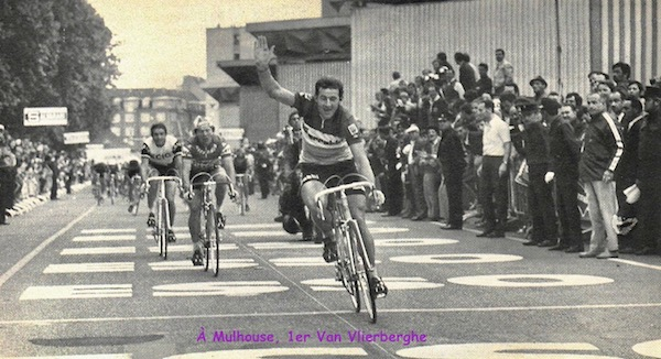 SPORT N° 21 du 30 juin 1971 09 Van Vleierberghe à Mulhouse